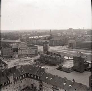 ARH NL Koberg 2479, Blick von der Kreuzkirche auf Wohngebiet und Beginenturm, Hannover, 1962