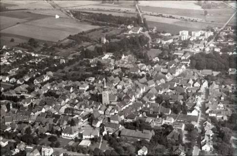 ARH NL Koberg 2528,  Stadtansicht mit Kirche, Bad Münder, 1972