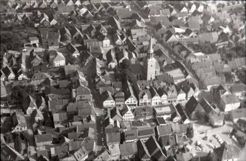 ARH NL Koberg 2531,  Stadtansicht mit Kirche, Bad Münder, 1972