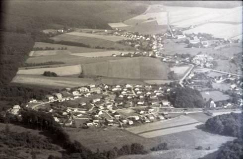 ARH NL Koberg 2542, Neubausiedlung von Einfamilienhäusern, Nienstedt, 1972