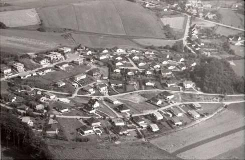 ARH NL Koberg 2543, Neubausiedlung von Einfamilienhäusern, Nienstedt, 1972