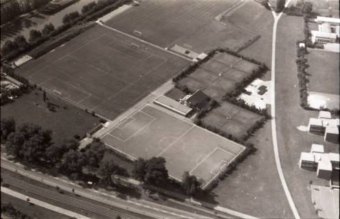 ARH NL Koberg 2614, Sportplätze der Herschelschule, Großer Kolonnenweg, Vahrenheide, 1971