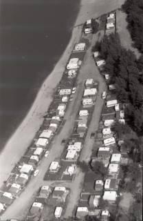 ARH NL Koberg 2669, Blauer See mit Campingplatz, Garbsen, 1971