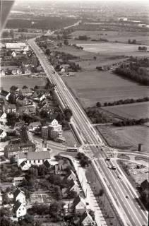 ARH NL Koberg 2670, Kreuzung B6 / Hermann-Löns-Straße, Berenbostel , 1971