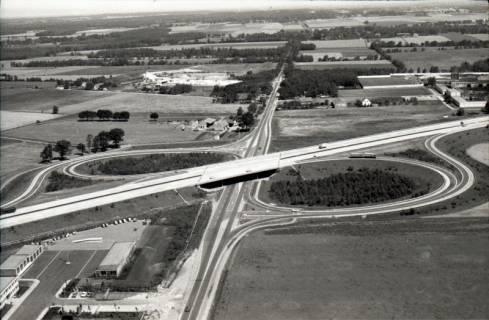 ARH NL Koberg 2772, Autobahnabfahrt Kiebitzkrug, Langenhagen, 1976