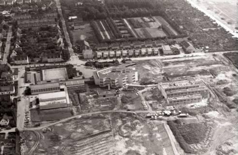 ARH NL Koberg 2834, Georg-Büchner-Gymnasium und Hallenbad, Letter, 1972