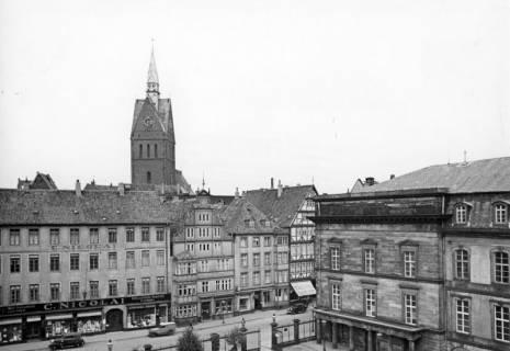 ARH NL Koberg 3016, Altstadthäuser an der Leinstraße mit Marktkirche, rechts Schloßflügel, Hannover, 1938