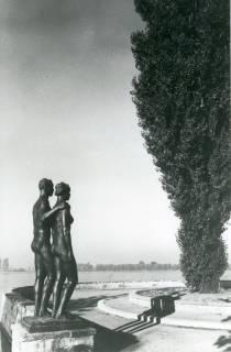 ARH NL Koberg 3021, Menschenpaar von Kolbe am Maschsee, Hannover, 1938