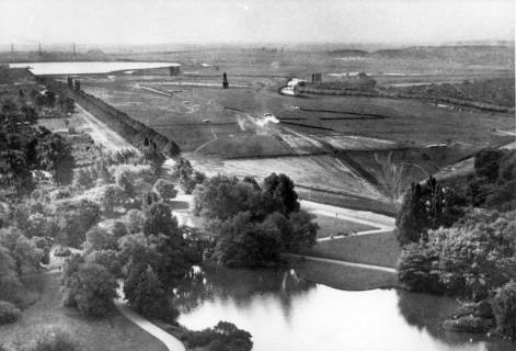 ARH NL Koberg 3027, Blick vom Rathausturm auf die Machseebaustelle, Hannover, um 1936