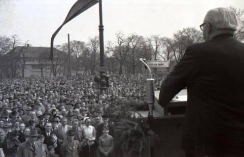 ARH NL Koberg 3031, Maikundgebung des DGB mit Ministerpräsident Kopf auf dem Klagesmarkt, Hannover, 1952