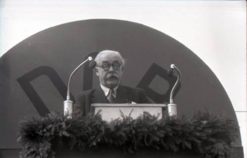 ARH NL Koberg 3033, Maikundgebung des DGB mit Ministerpräsident Kopf auf dem Klagesmarkt, Hannover, 1952