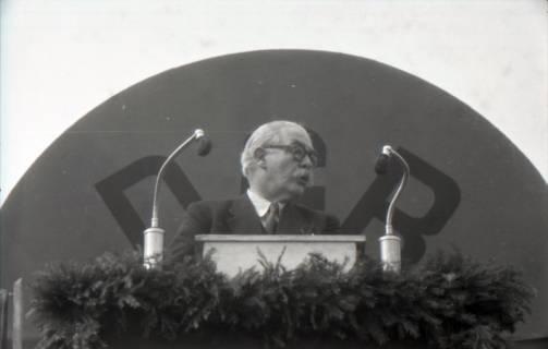 ARH NL Koberg 3034, Maikundgebung des DGB mit Ministerpräsident Kopf auf dem Klagesmarkt, Hannover, 1952