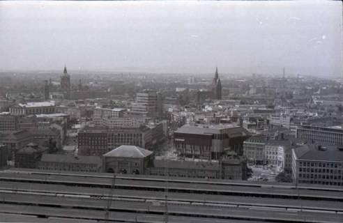 ARH NL Koberg 304, Blick über den Bahnhof in die Innenstadt, Hannover, 1976
