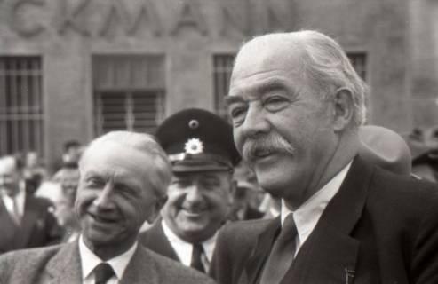 ARH NL Koberg 3040, Maikundgebung des DGB mit Ministerpräsident Kopf auf dem Klagesmarkt, Hannover, 1952