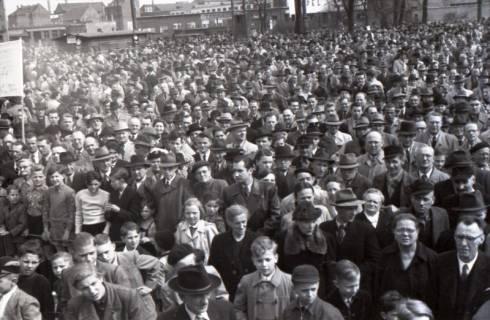 ARH NL Koberg 3048, Maikundgebung des DGB auf dem Klagesmarkt, Hannover, 1952