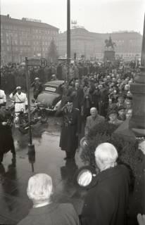 ARH NL Koberg 3086, Ankunft von Bundespräsident Theodor Heuss, in Begleitung von Ministerpräsident Kopf, am Hauptbahnhof, Hannover, 1950
