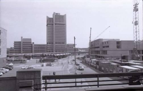 ARH NL Koberg 321, Blick zur Baustelle am Raschplatz über die Lister Meile, Hannover, 1976