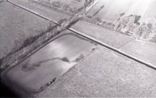ARH NL Koberg 3298, Pflügender Landwirt, 1960