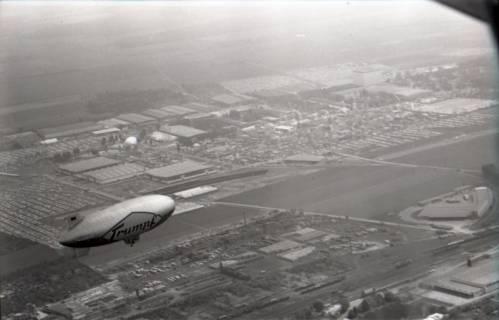ARH NL Koberg 3390, Luftschiff über der Messe, Hannover, 1961