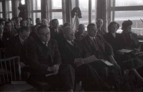 ARH NL Koberg 363, Entscheidung des Innenstadtwettbewerbs unter Leitung von Stadtbaurat Rudolf Hillebrecht, um 1949