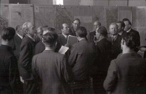ARH NL Koberg 364, Entscheidung des Innenstadtwettbewerbs unter Leitung von Stadtbaurat Rudolf Hillebrecht, 1949