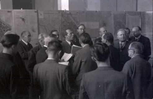 ARH NL Koberg 365, Entscheidung des Innenstadtwettbewerbs unter Leitung von Stadtbaurat Rudolf Hillebrecht, 1949