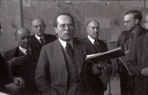 ARH NL Koberg 369, Entscheidung des Innenstadtwettbewerbs unter Leitung von Stadtbaurat Rudolf Hillebrecht, 1949