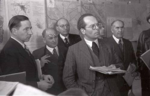 ARH NL Koberg 370, Entscheidung des Innenstadtwettbewerbs unter Leitung von Stadtbaurat Rudolf Hillebrecht, 1948