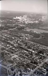 ARH NL Koberg 424, Misburger Hafen mit Erdölraffinerie (Deurag-Nerag), Misburg, 1957