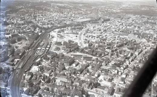 ARH NL Koberg 429, Luftbild von Hannover, u. a. mit Hauptbahnhof und Oststadt, 1957