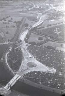 ARH NL Koberg 435, Schwanenburgkreisel und Brücke Westschnellweg im Bau, Hannover, 1957