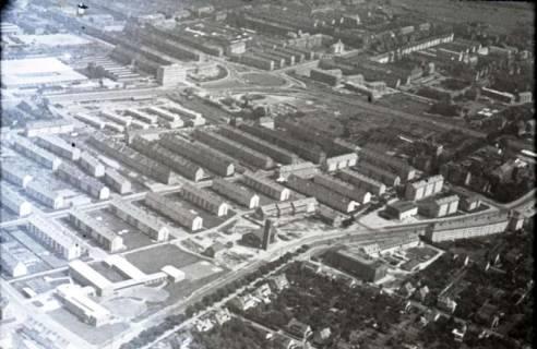ARH NL Koberg 467, Neubaugebiet Oberricklingen mit Ricklinger Kreisel und Wallensteintraße, Hannover, 1957