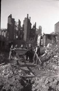 ARH NL Koberg 547, Trümmerbeseitigung in der Odeonstraße, Hannover, 1946