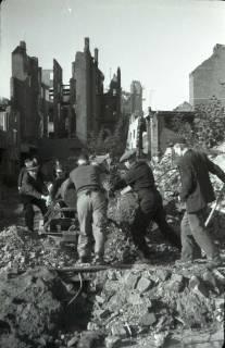 ARH NL Koberg 549, Trümmerbeseitigung in der Odeonstraße, Hannover, ohne Datum