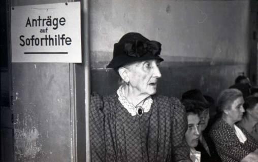ARH NL Koberg 555, Erste Dienststelle der Stadt Hannover für Soforthilfe am Lindener Markt, Hannover, wohl 1948