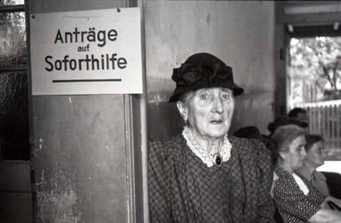 ARH NL Koberg 556, Erste Dienststelle der Stadt Hannover für Soforthilfe am Lindener Markt, Hannover, wohl 1948
