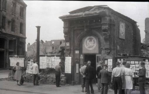 ARH NL Koberg 674, Tausch- bzw. Anschlagtafeln am Steintor, Hannover, 1945