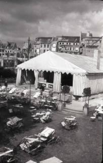 ARH NL Koberg 676, Provisorisches Zeltkaffee auf dem Gelände des Café Kröpcke, Hannover, 1948