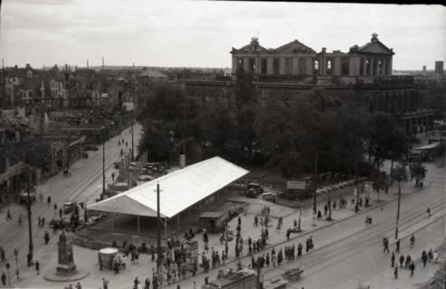 ARH NL Koberg 685, Provisorisches Zeltkaffee auf dem Gelände des Café Kröpcke, Hannover, 1948