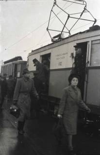 ARH NL Koberg 691, Notverkehr der Behelfsstraßenbahn in der Podbielskistraße, Hannover, 1946