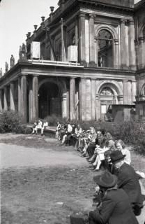 ARH NL Koberg 696, Vor dem Opernhaus an der Georgstraße, Hannover, 1947