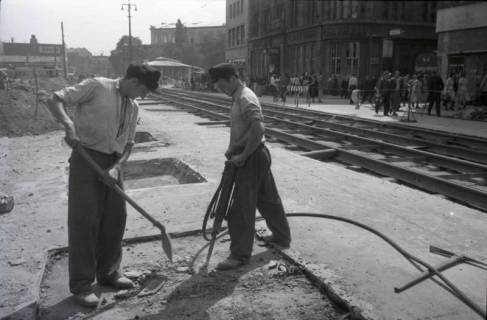 ARH NL Koberg 701, Reparatur der Straßenbahngleise am Kröpcke, Hannover, nach 1949