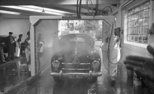 ARH NL Koberg 716, Borgward in einer Autowaschanlage, um 1947