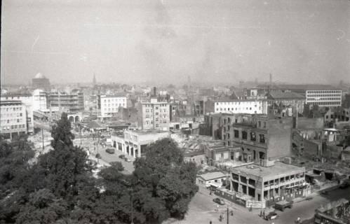 ARH NL Koberg 730, Blick vom Operndach auf Wiederaufbau der Stadt, Hannover, 1948