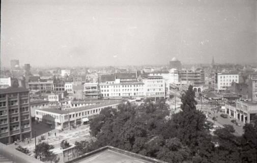 ARH NL Koberg 731, Blick vom Operndach auf Wiederaufbau der Stadt, Hannover, 1948