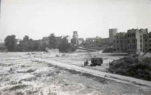 ARH NL Koberg 733, Leibnizufer mit Beginenturm im Hintergrund, Hannover, 1948