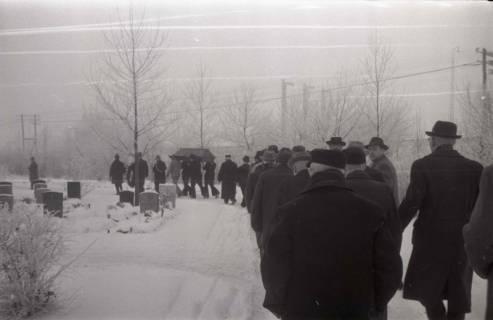 ARH NL Koberg 826, Rituelle Beisetzung eines Zimmermannes, 1964