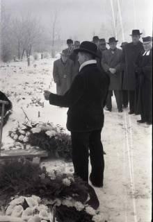 ARH NL Koberg 827, Rituelle Beisetzung eines Zimmermannes, 1964