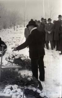 ARH NL Koberg 828, Rituelle Beisetzung eines Zimmermannes, 1964