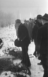 ARH NL Koberg 829, Rituelle Beisetzung eines Zimmermannes, 1964